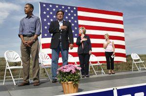 obama-refuses-to-salute-flag-11[1]