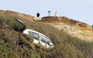 cliff_car